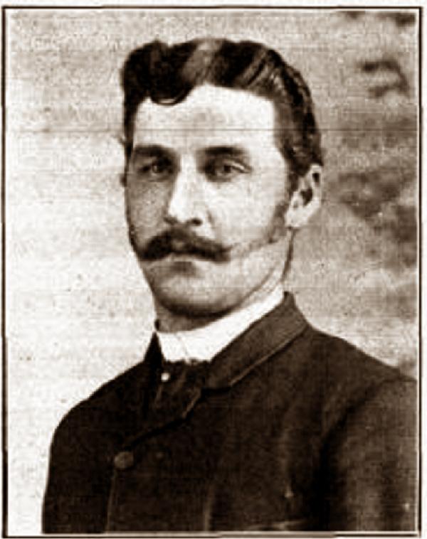 Esdras Gagné, chef de gare du village en 1910. Photo: L.A.F. Crépeau, Mascouche en 1910